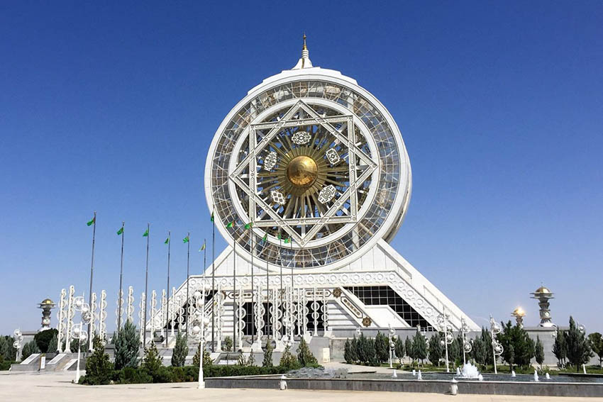 Turkmenistan: 5 extraordinary days in Ashgabat, Merv and the Karakum